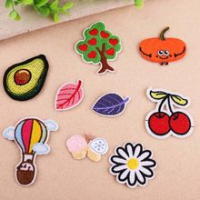 1Pcs Cherry Leaf Borduren Patch Heat Transfers Iron On Sew Patches Voor Kleding Kleren Stickers Decoratieve Applicaties 47211(China)