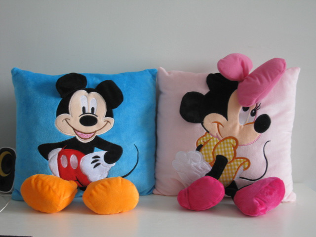 Hot Mickey Mouse and Minnie Plush Pillow Cushion Toys Cute Stuffed Doll Birthday Gift for Children