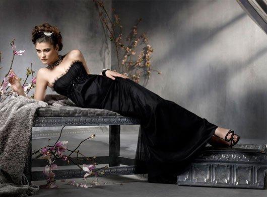 2011 formal floor length sleeveless black bridesmaid dress