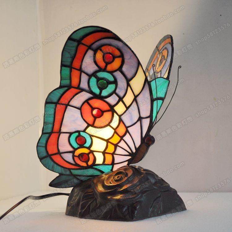 Бабочка прикроватной тумбочке Светильник спальни Гостиная Исследование Европейский животных лампы Тиффани стекла Новый