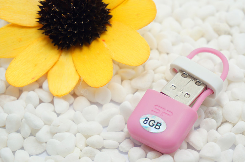 Special gift 100% real capacity 8GB 16G  Mini tiny  flash drives storage devices USB Flash Drive Disk Memory Sticks S587