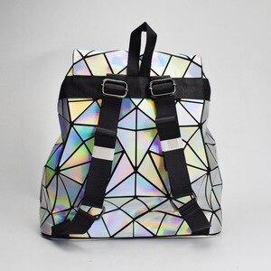 Image 3 - 패션 여성 drawstring 배낭 기하학 여성 배낭 십 대 소녀 bagpack 홀로그램 숙 녀 바오 학교 가방 sac