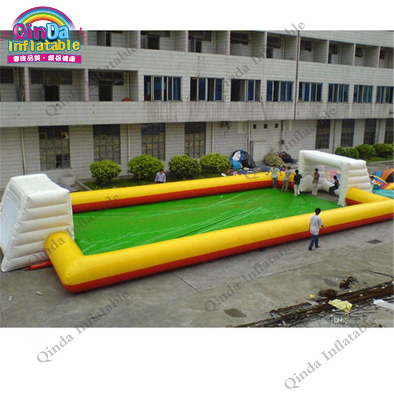 Airtight 0.6 mm PVC Inflatable Soccer Field Portable Inflatable Football Court For Fun Soccer Games funny summer inflatable water games inflatable bounce water slide with stairs and blowers