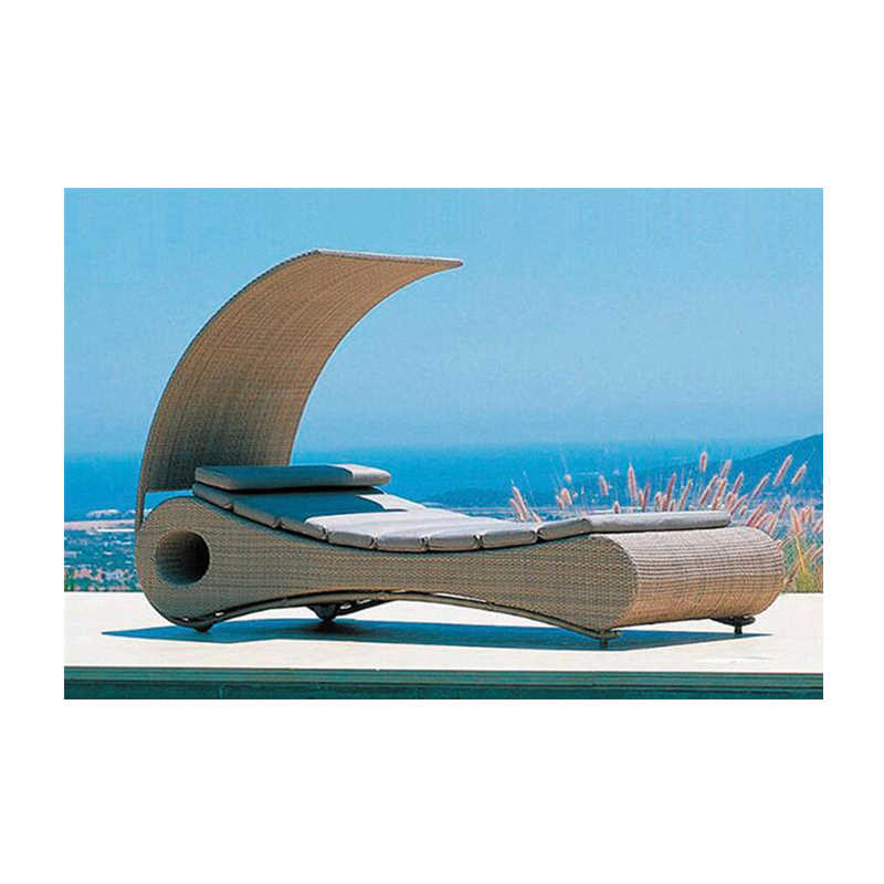 โรงงานการออกแบบล่าสุดหวาย Daybed กลางแจ้ง Sun Bed ที่ไม่ซ้ำกันหวายวันเตียง 2 ชุด