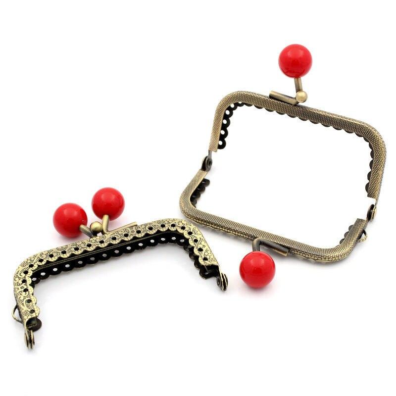 10Pcs Bronze Tone DIY Ruffled Rectangle Frame Kiss Clasps Lock Clutch Red Ball Purse Bag Handbag Handle 7.8x6cm magnet kiss lock skull clutch handbag esay matching dress bag