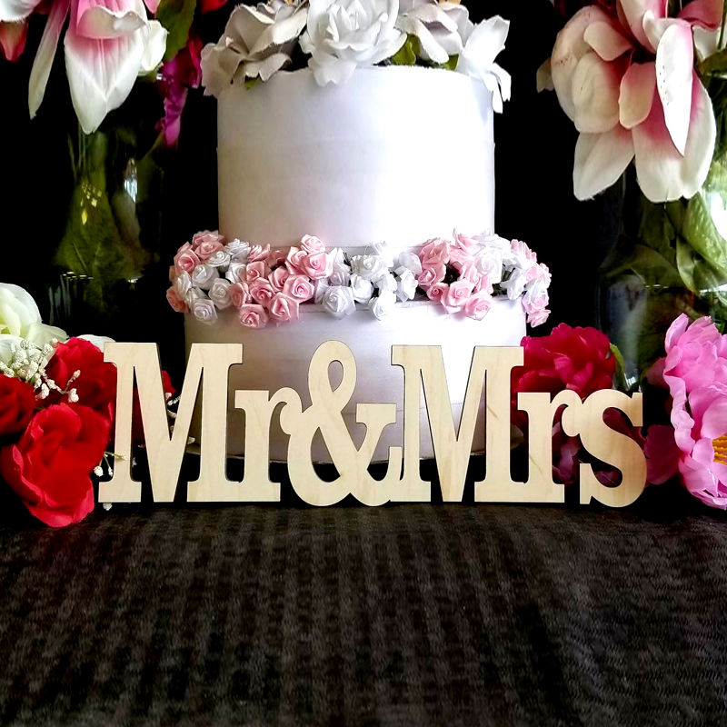 Mr & Mrs wood sign,Wedding table decoration Centerpiece, Wedding DIY, MR and Decor