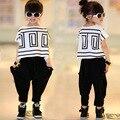 Ropa de niños sets 2016 nueva Niñas juego de los deportes de verano Bat de manga corta t-shirt + harem niños ropa de niña trajes 2 unids/set