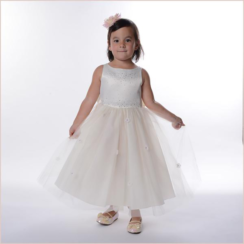 Communion Dresses Beads Crew Neck Short Sleeve Ball Gown Back V Button Flower Girl Dresses for Wedding with Bow Sash New Dresses crew neck button embellished tee