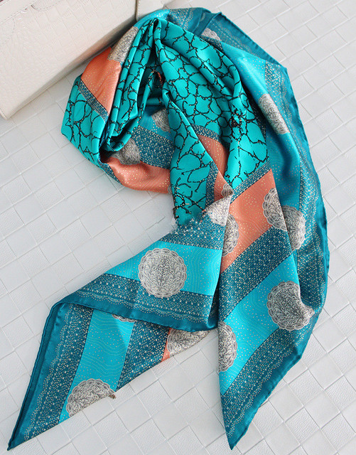 Crepe Satén de Seda de Impresión Bufanda de Las Mujeres Bufandas Chales Y Bufandas Hijab Echarpe Foulard Bufandas Mujer Cachecol 110x110 cm SF0342