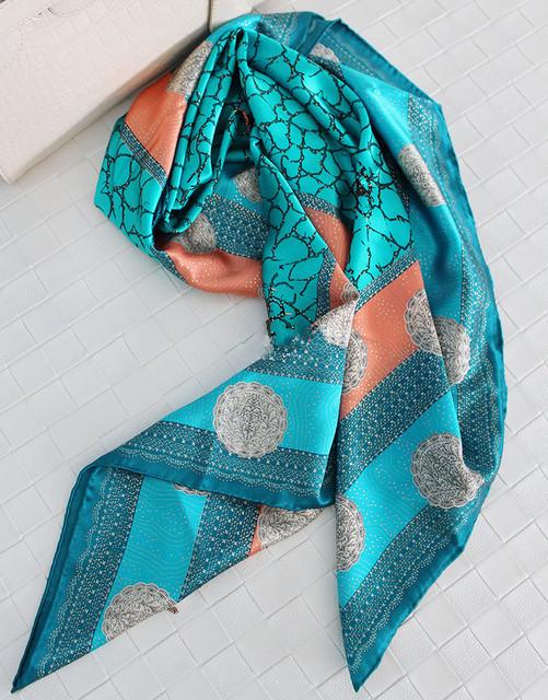 Impressão Crepe Cetim Lenço De Seda Das Mulheres Lenços Xales E Cachecóis Hijab Echarpe Foulard Bufandas Mujer Cachecol 110x110 cm SF0342