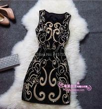 Женское платье на бретелях элегантное облегающее с блестками