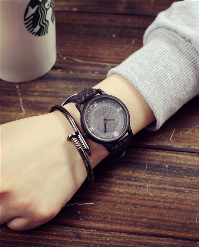 2017 Casual Fashion Brand Wood Retro Women Watches Vintage Leather Quartz Clock Woman Fashion Wooden Wristwatch Reloj Mujer bobo bird brand new sun glasses men square wood oversized zebra wood sunglasses women with wooden box oculos 2017