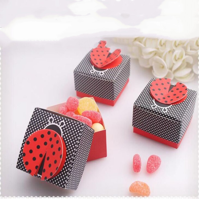 New 20pcs Cute Creative Ladybug Sweet Candy Box Red Black Dot Color BaBy Shower Birthday Party Candy Box Wedding Favor Gift Box