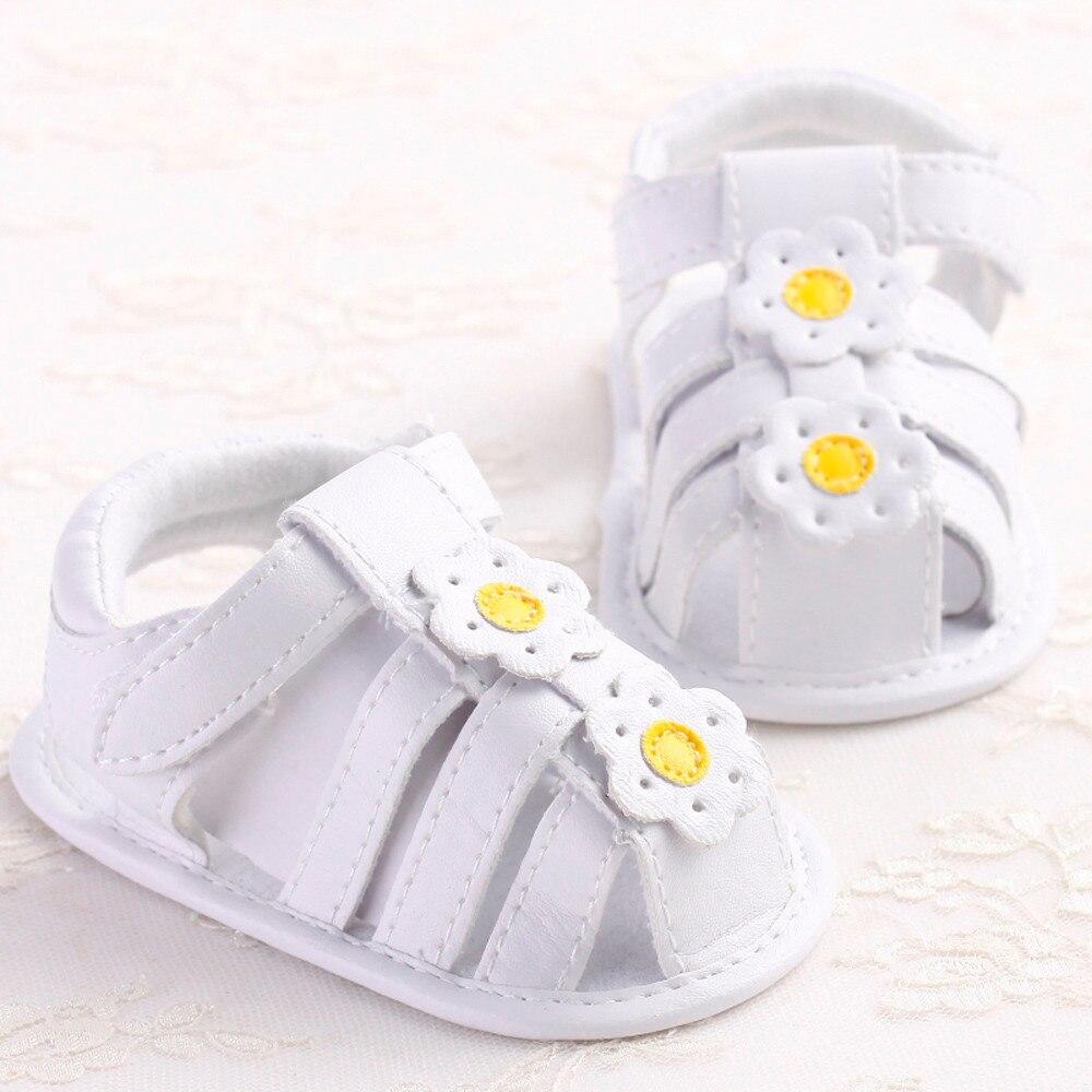 Детская обувь девочек и девушек летняя обувь Малышей Девушки Детская Кровать В Обуви Новорожденных Цветок Мягкой Подошвой противоскользящие Детские Кроссовки Сандалии