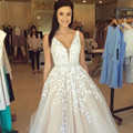 New White Appliques Lace A-Line Prom Dress Sexy V-Neck Lace Long Graduation Party Dresses Cheap Beaded Tulle Evening Prom Gowns