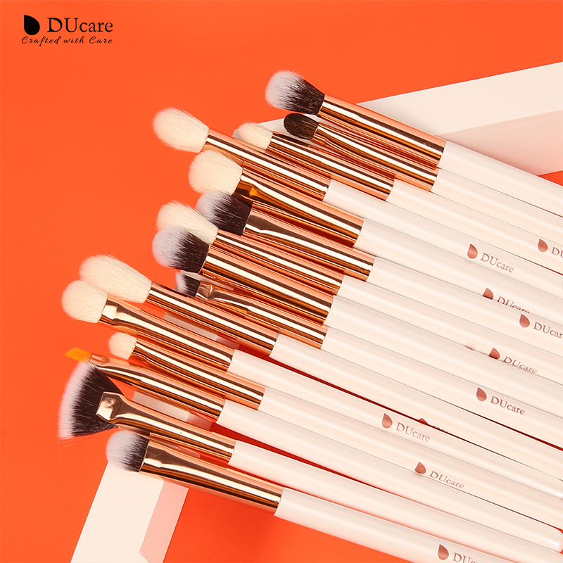 DUcare Black 15Pcs Makeup brushes Natural Goat Pony hair Eye shadow Blending Eyeliner Eyebrow Smokey shade brush set