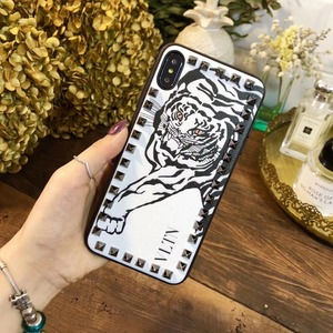 Image 2 - European and American fashion rivets for iPhoneX XS MAX XR 11Pro mobile phone case 6s 7 8plus all inclusive soft leather tide