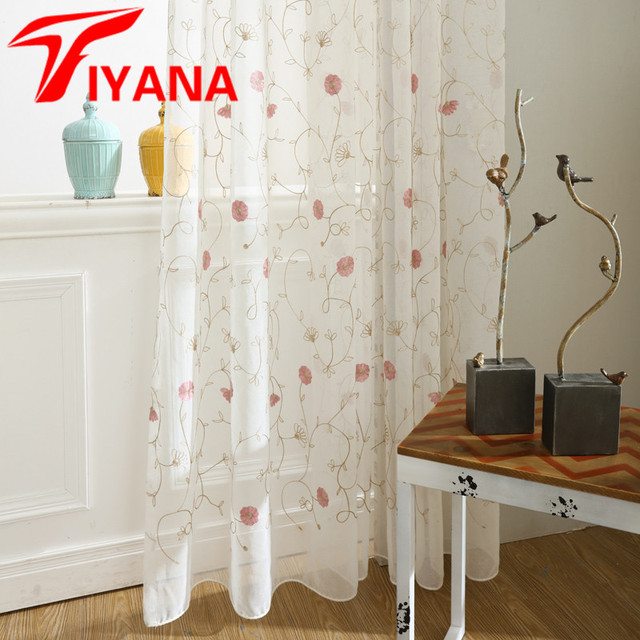 Tiyana Rustique Blanc Fond Couleur Rouge Fleur Motif Sheer Tulle ...