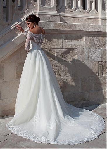 Image 2 - Fabulous Organza Off the shoulder Neckline Ball Gown Wedding Dress With Beaded Lace Appliques  Long Sleeve Bridal Gowns  2019-in Wedding Dresses from Weddings & Events