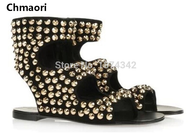 New design summer sandals open toe cut-outs gold rivets studded flat sandals fashion woman comfortable flat gladiator sandals