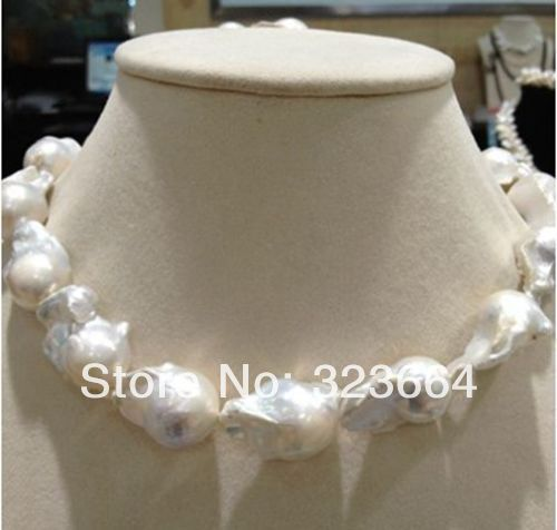 REALLY HUGE REAL HUGE SOUTH SEA WHITE BAROQUE PEARL NECKLACE 18