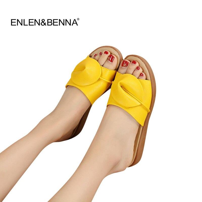 2016 Nouvelles Femmes Sandales Pantoufles Flip Flops Plate-Forme de Mode Sandales En Cuir Wedeges Pantoufles Talons Plage Pantoufles Diapositives Chaussures