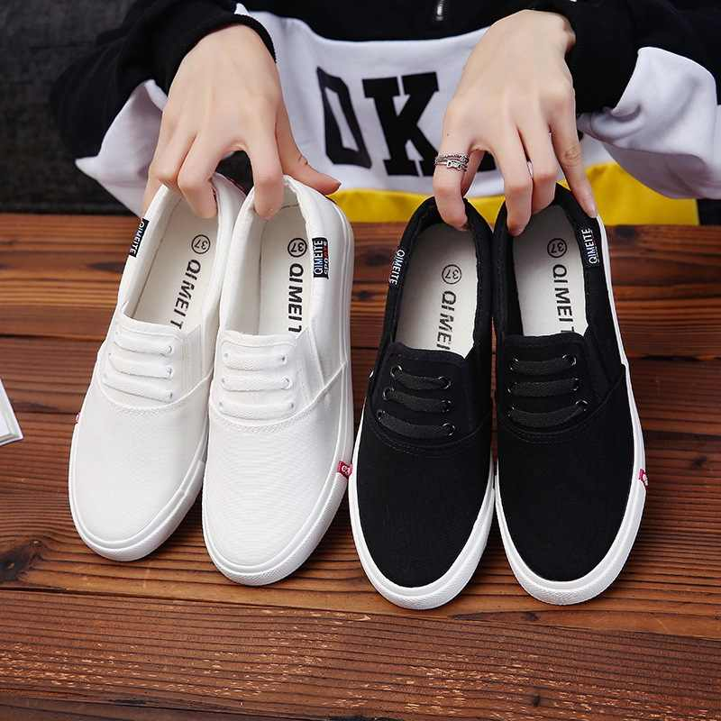 2018 New flat women sneakers comfortable summer casual canvas shoes Breathable black Slip on Vulcanize Shoes female
