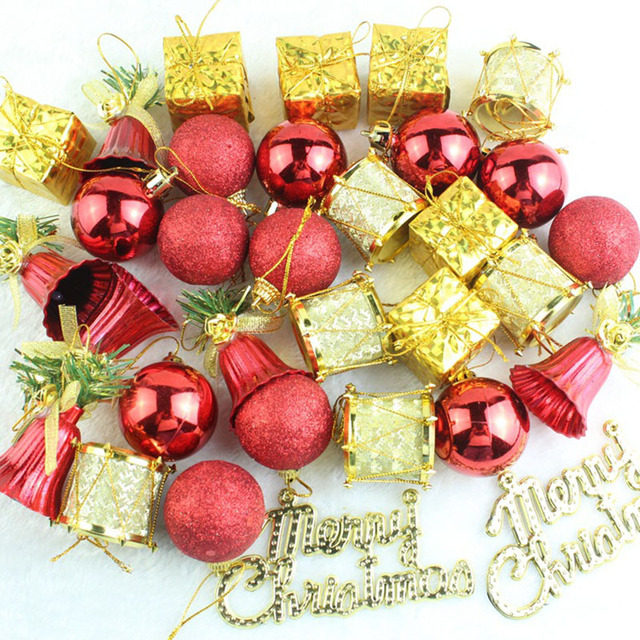 d0097d4668f5 32PCS/LOT Christmas Tree Hanging Baubles Fruit Ball Red Gold Christmas  Baubles Party Decorations Ornaments Supplies MR0073