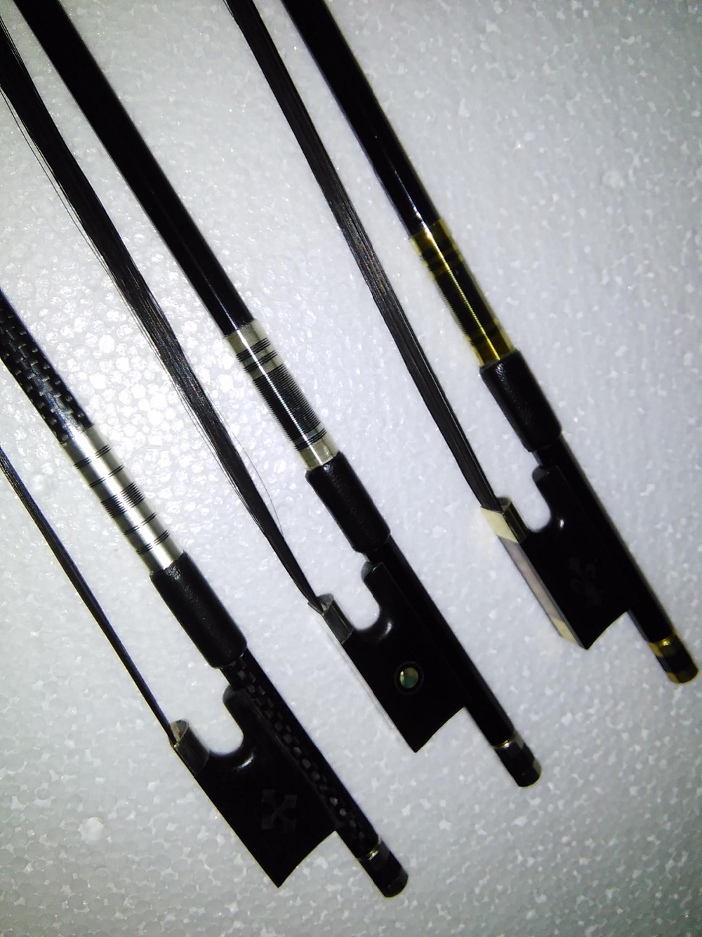 3 PCs Black Carbon Fiber Violin Bow With Black Bow Hair vary ebony frog type 4/4 violin bow 4/4 strong balanced carbon fiber double bass bow 4 4 with black hair