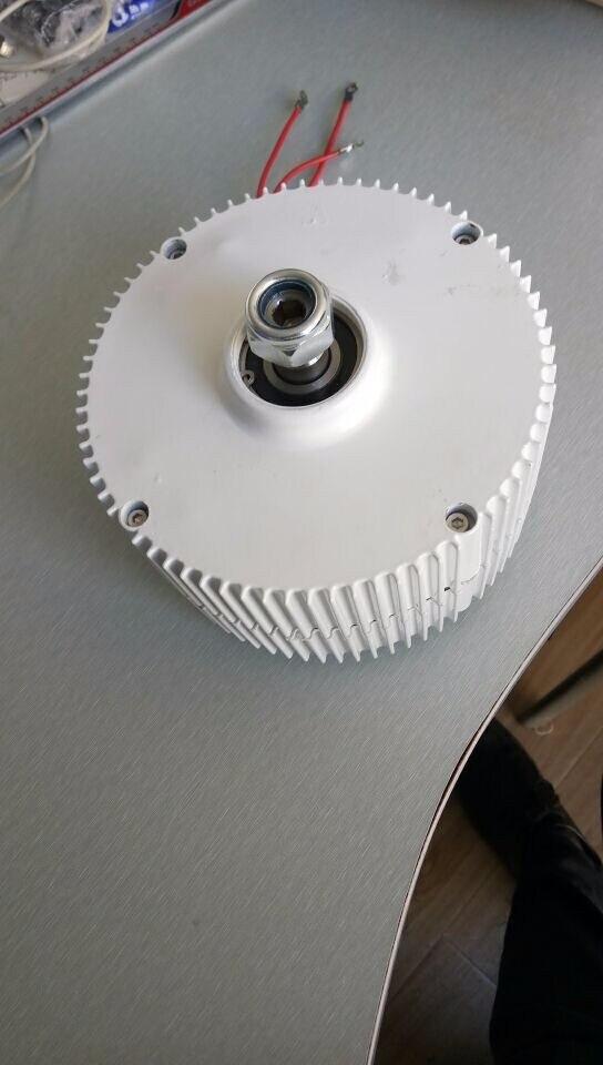 Низких оборотах 300 Вт 24 В бесщеточный генератор постоянного магнита с регулятором