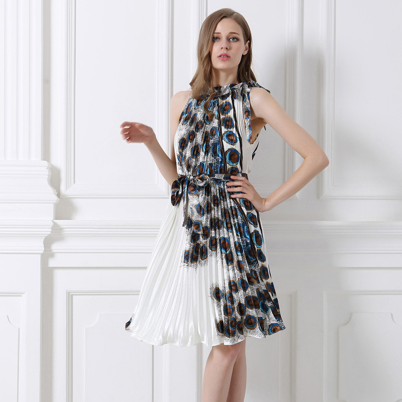 2018 High quality Europe and America Elegant fashion summer women dress peacock Printed Party pleated sexy dress