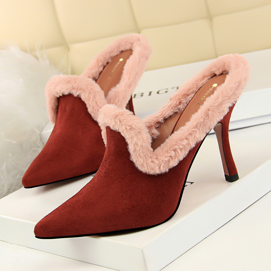 famous designer slingbacks fur high heels shoes woman pointed toe flocksuede leather pumps 2019 winter furry high heels y790