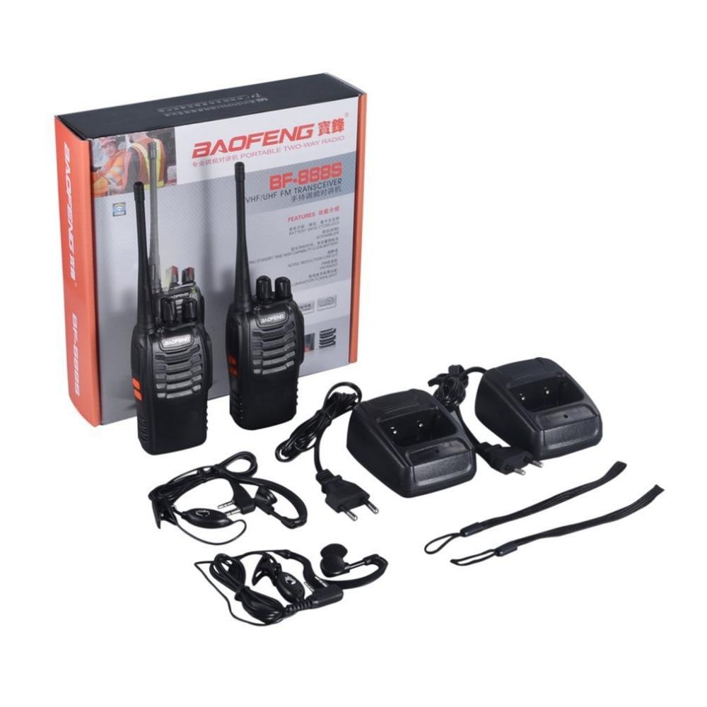 2 pcs Baofeng BF-888S 400-470 mhz Rechargeable talkie-walkie VHF/UHF FM Transceiver lampe de Poche 5 w 16Ch Avec Casque 2-way Radio