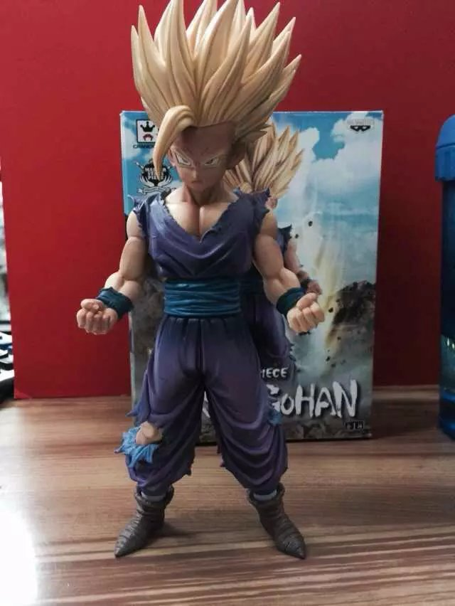 Dragonball MSP large group of teenagers standing Gohan Super Saiyan King boxed product