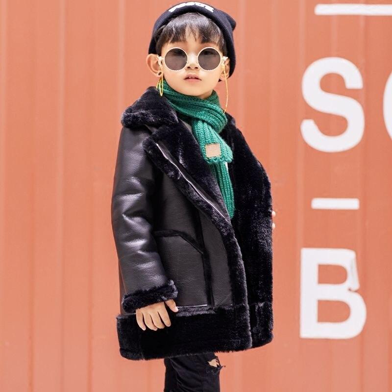 Коллекция 2019 года, зимняя куртка из искусственной кожи с искусственным мехом для мальчиков и девочек детская бархатная теплая верхняя одеж...