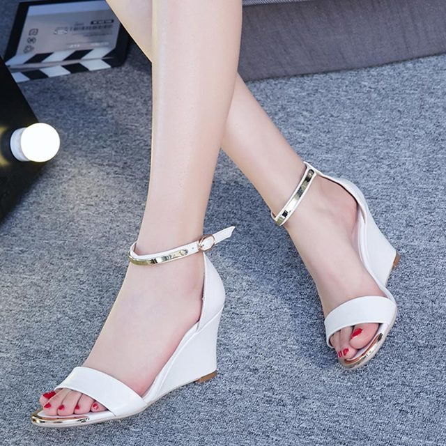 Новая Мода Горячие продажа Летние женщины случайные клинья сандалии женские туфли женские туфли на платформе пряжки открытым носком на высоком каблуке обувь P934