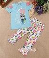 2016 colorido Al Por Mayor de ropa de moda conjunto patrón de caracteres diseño lindo para el bebé