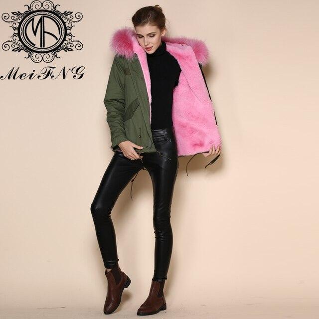 big sale b6efa 2653e US $275.0 |2017 inverno Europeo di trasporto libero rosa donna plus size  parka tuta giacca in pelliccia sintetica foderato con raccoon collare in  2017 ...