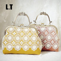 2017 Handmade Female Vintage Lace Shoulder Bag Crochet Retro Victorian Wedding Feminine Kiss Lock Frame Chain Funky Wool Bag