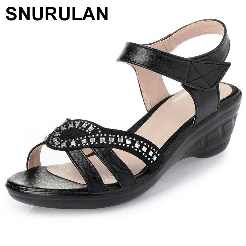 SNURULAN2018Summer New Fashion Woman Sandals Mother Large Size Flat Leather Sandals Slip Comfort Elderly Soft Bottom SandalsE562