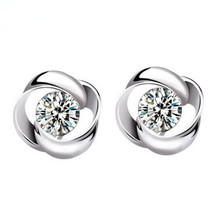 цена 100% 925 sterling silver fashion shiny crystal round ladies`stud earrings jewelry women Anti allergy birthday gift drop shipping в интернет-магазинах