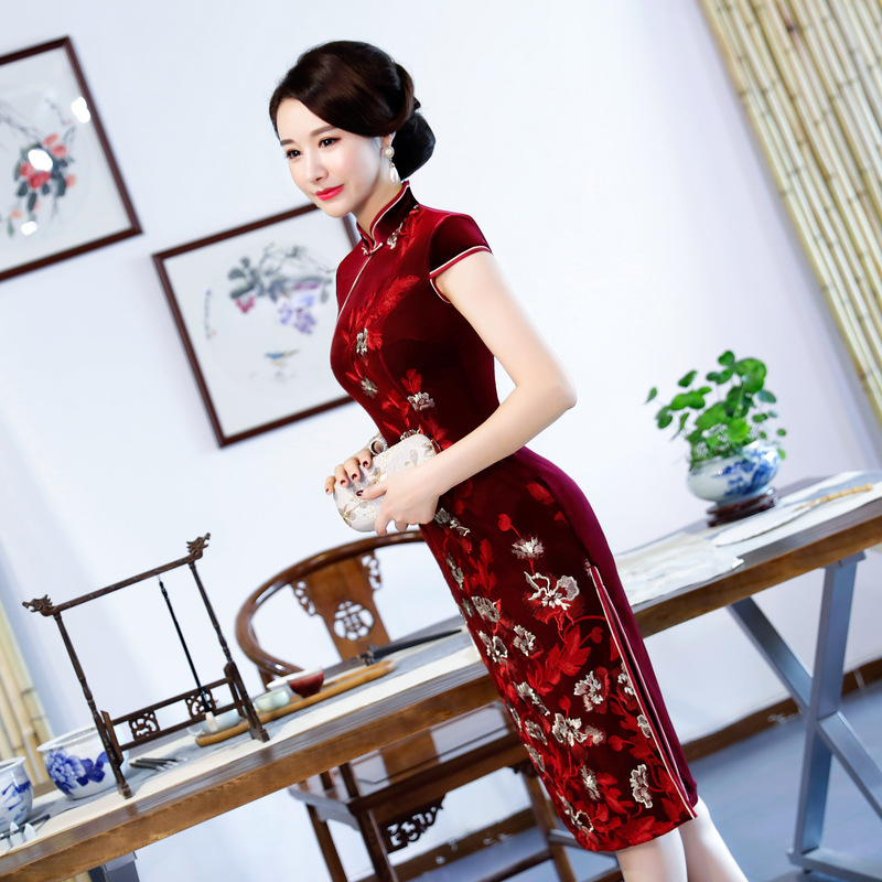 Qipao Partie Sexy Femmes Bouton Genou Noble 2018 Cheongsam Style Robe Robes Vintage Pourpre Velours Mince bourgogne Printemps Chinois Longueur wNXn0O8Pk