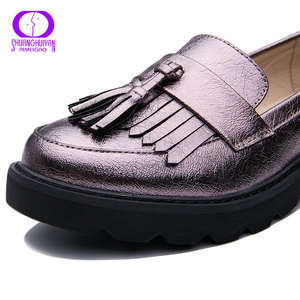 Image 4 - AIMEIGAO Spring Autumn Tassels Oxford Shoes Women Platform Slip on Shoes Women 2019 Shiny Round Toe Casual Leather Flats Shoes