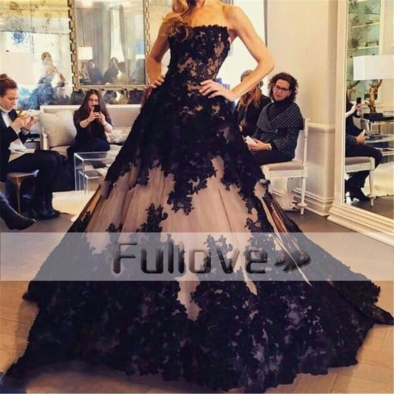 Graceful Black Appliques Slim Cut Princess Wedding Dresses 2019 Strapless Lace-Up A-Line Tulle Bridal Gowns Robe De Mariee