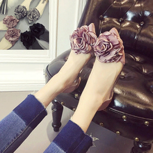 The new spring and summer 2016 big flower shoes flat pointed end shoes with flat feet Doug shallow set foot muzzle shoes
