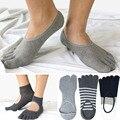 De Algodón para hombre Calcetines Del Dedo Del Pie de Rayas Ahuecado Gris Negro de Negocios vestido Japonés Calcetines Tabi Ninja Zapatillas Calcetines 2 5 Dedo calcetines