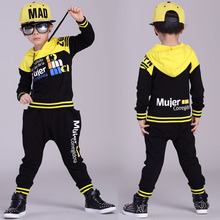 Мода Весна Осень детская одежда набор Черный Желтый Костюмы дети спорт костюмы лоскутное Хип-Хоп танец брюки и футболка