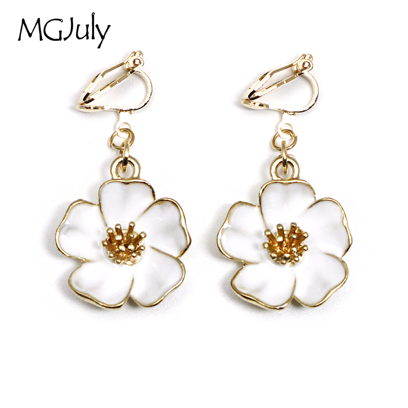 Us 1 5 60 Off Fashion Flower Clip On Earrings No Ear Hole Plant White Without Piercing Minimalist Women Earring Jewelry Ce012 In