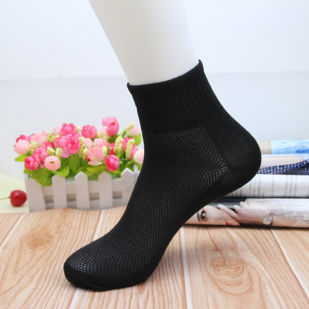 1 Pair / Lot Hot Sale New Summer Autumn Style Mens Socks Brand Quality Cotton Polyester Fashion Mesh Sock For Men Free Shipping