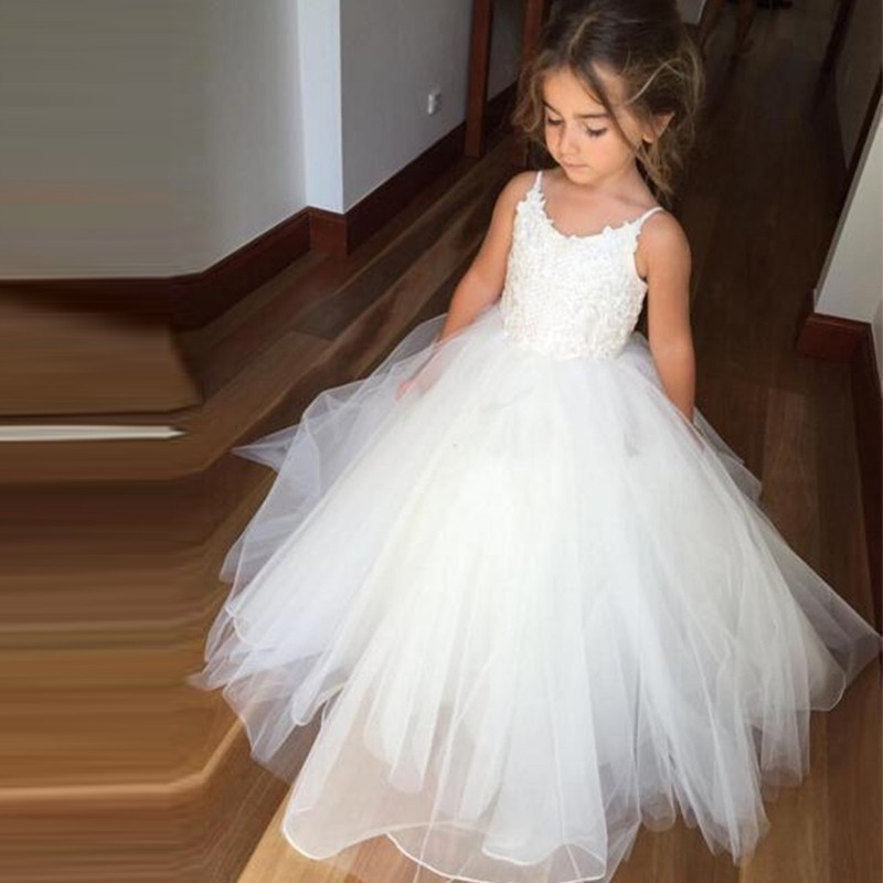 Puffy Tulle   Flower     Girl     Dresses   White Spaghetti Straps Sleeveless Lace Ball Gown Christmas Pageant   Dresses   for Wedding Party
